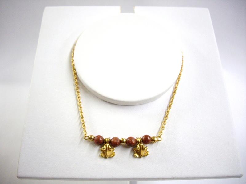 Collar de cadena y ranitas - Tiny toad and chain precolumbian necklace